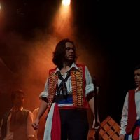 sale-el-sol-tributo-a-los-miserables_02